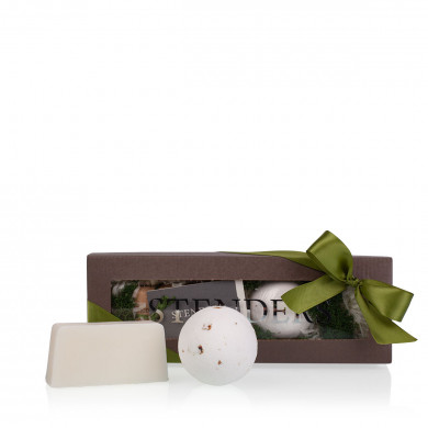 Captivating rose Gift Set image
