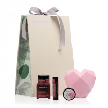 """Lip-to-lip & Cheek-to-Cheek"" gift set"